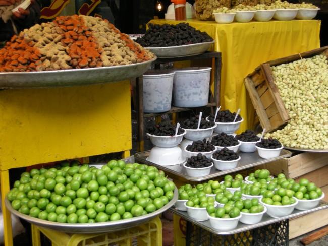 Greengage and berries are popular snacks | © Pontia Fallahi