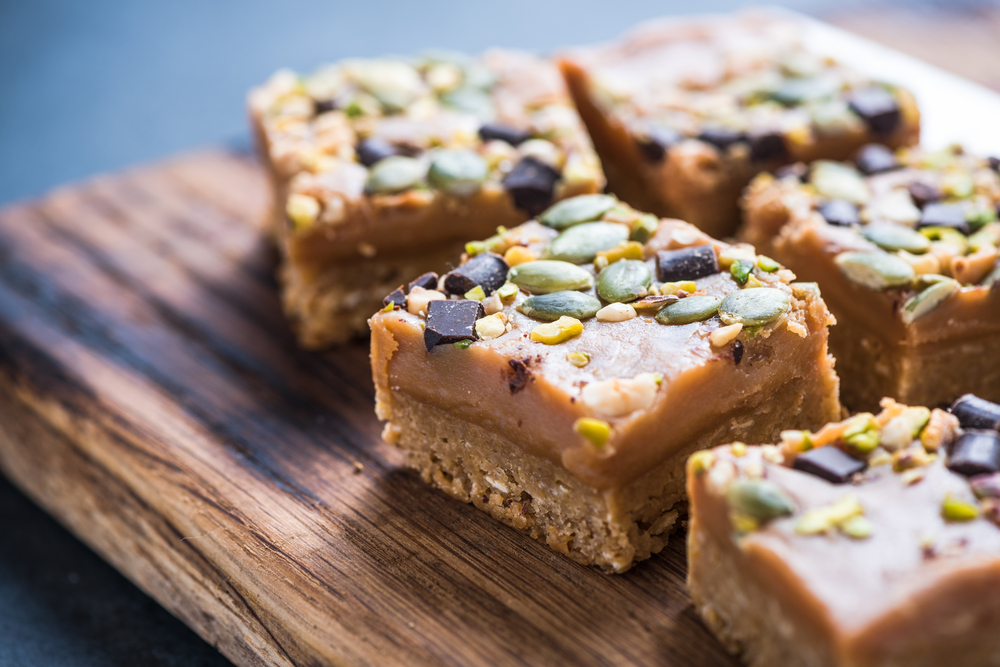 Homemade diet flap jacks with pistachio and nuts | © merc67/Shutterstock
