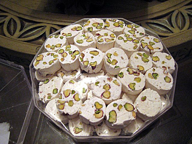 Gaz, Persian nougat with pistachios | © Sidster