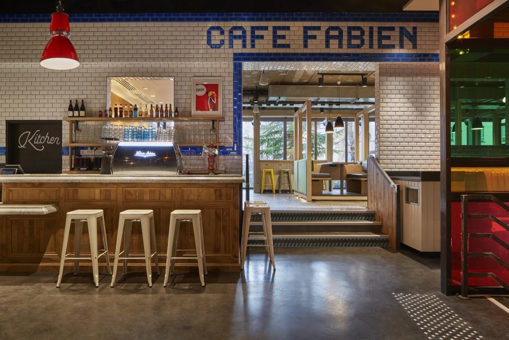 Generator Paris - Cafe Fabien │© Nikolas Koenig, Courtesy of Generator Paris