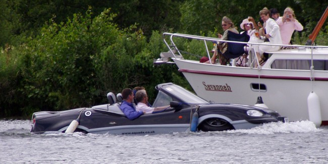 James Bond style amphibious car   wikimedia http://bit.ly/2jIHUU9