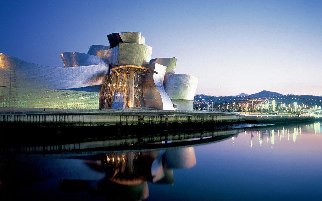 Guggenheim, Bilbao | ©Edwin Poon / Flickr