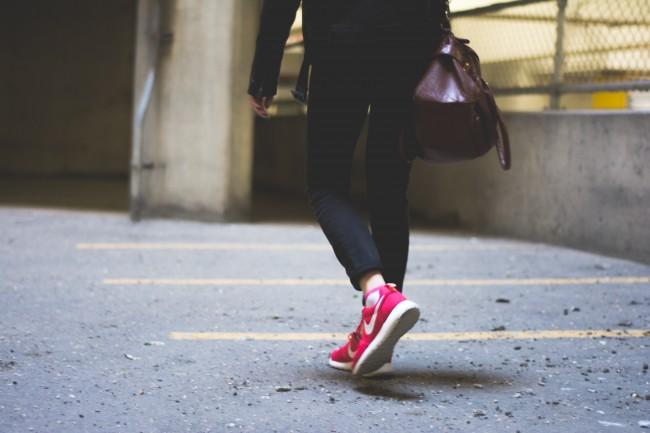 Setting off on a walk | © Redd Angelo / Unsplash