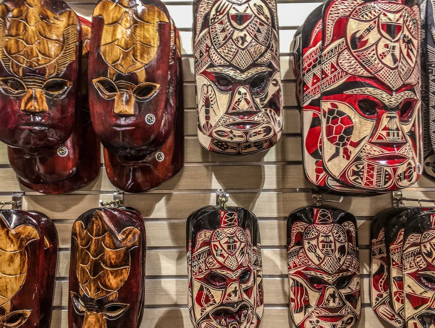 Traditional souvenirs to buy in fiji