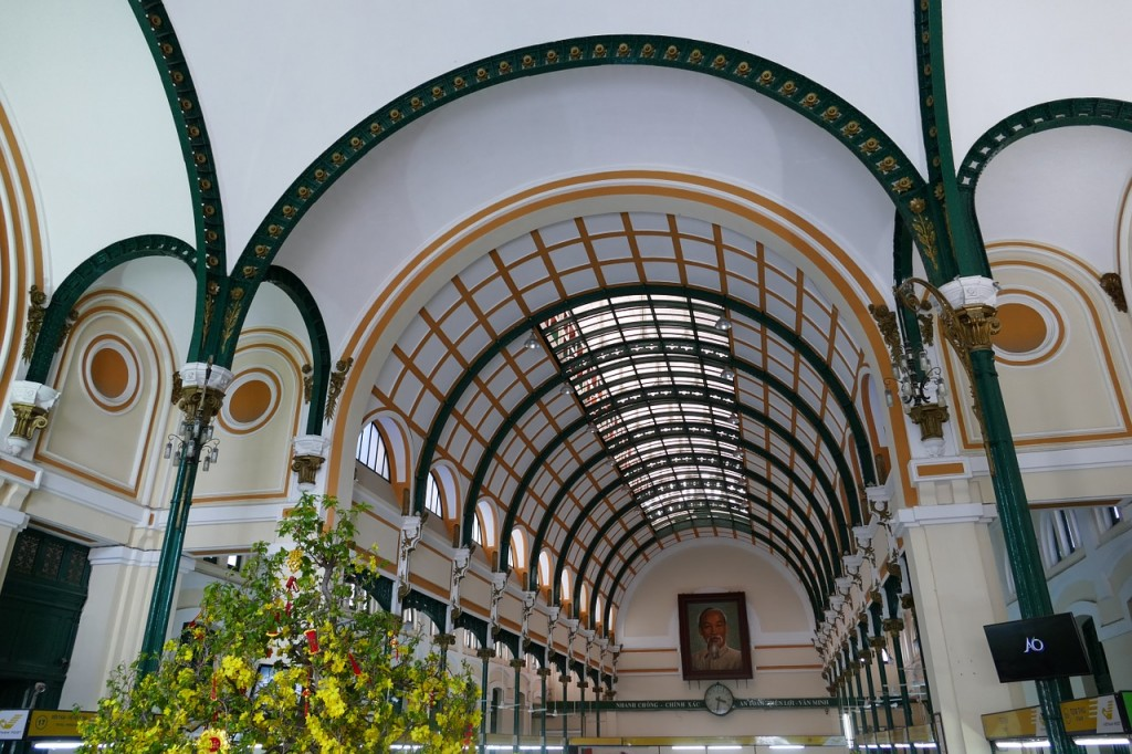 Inside Ho Chi Minh City's Central Post Office © Falco / Pixabay