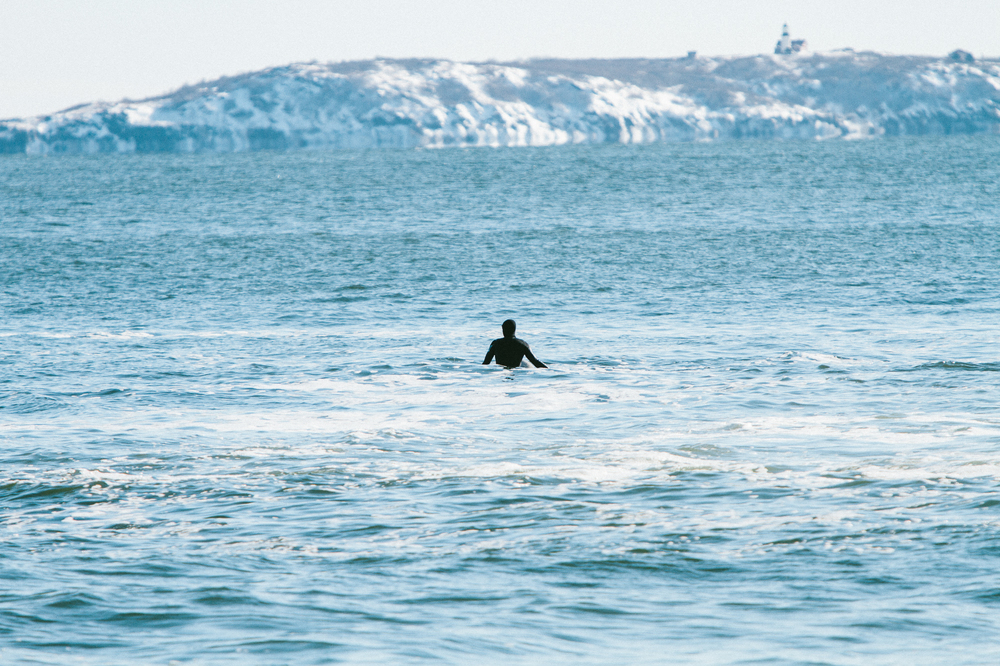 Surfers are braving bone-chilling waters for winter waves in Maine | © Corey McKenna