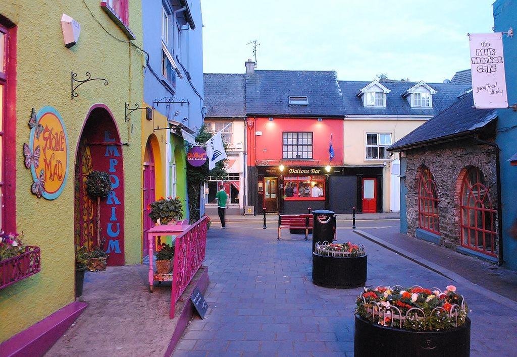 Kinsale town   © Carogonmu/WikiCommons
