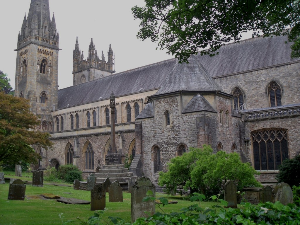LLandaff Cathedral|©Peter Broster/Flickr