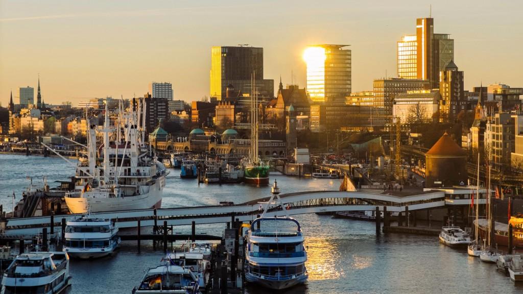 Hamburg harbour at dusk