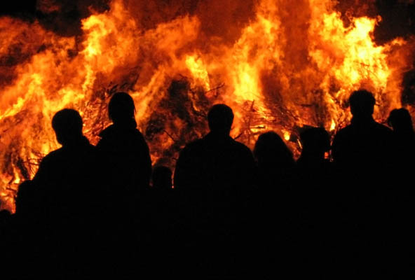 Burning of the Witches bonfire   ©Juultje / Wikimedia Commons