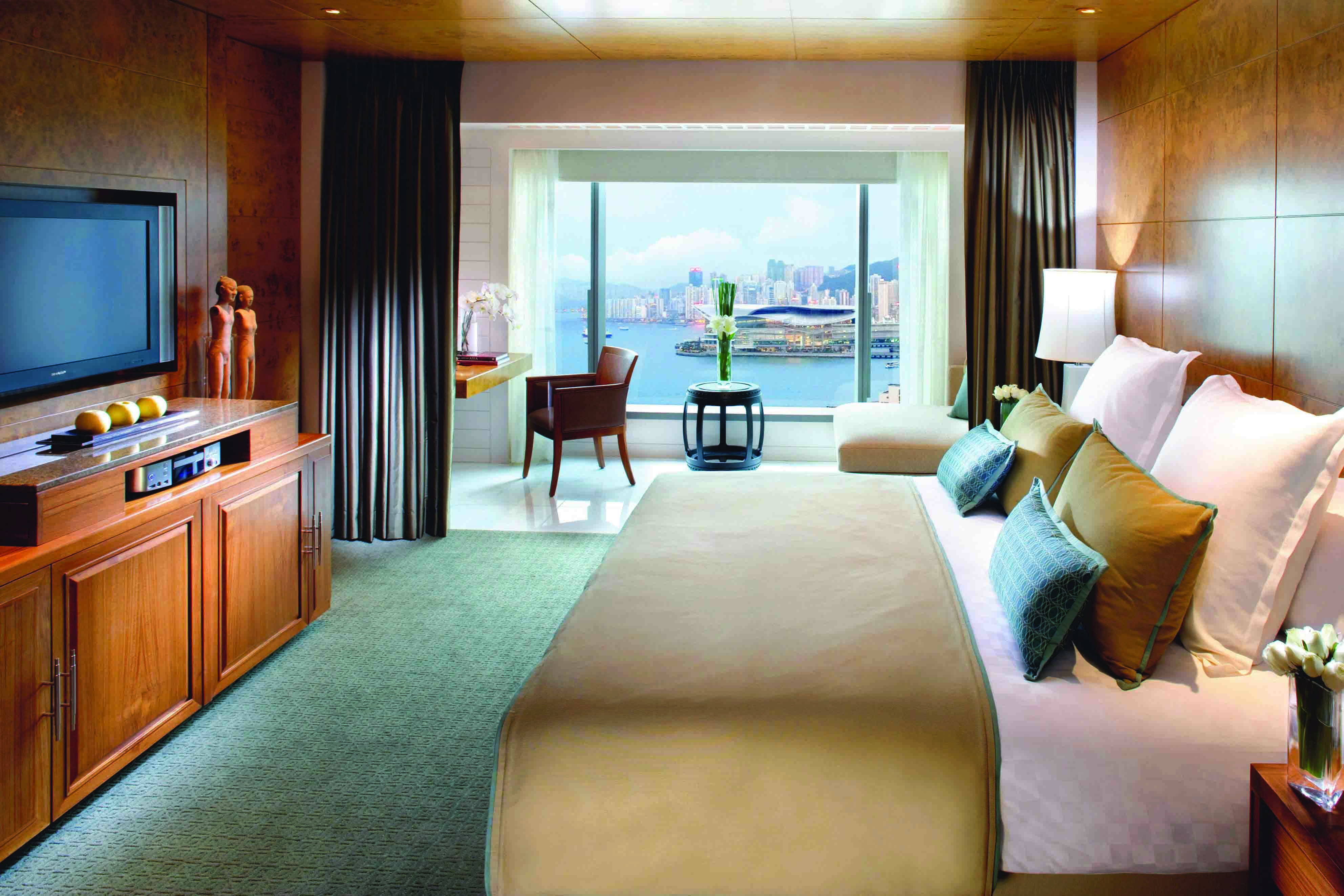 Harbour View Room | Courtesy of the Mandarin Oriental