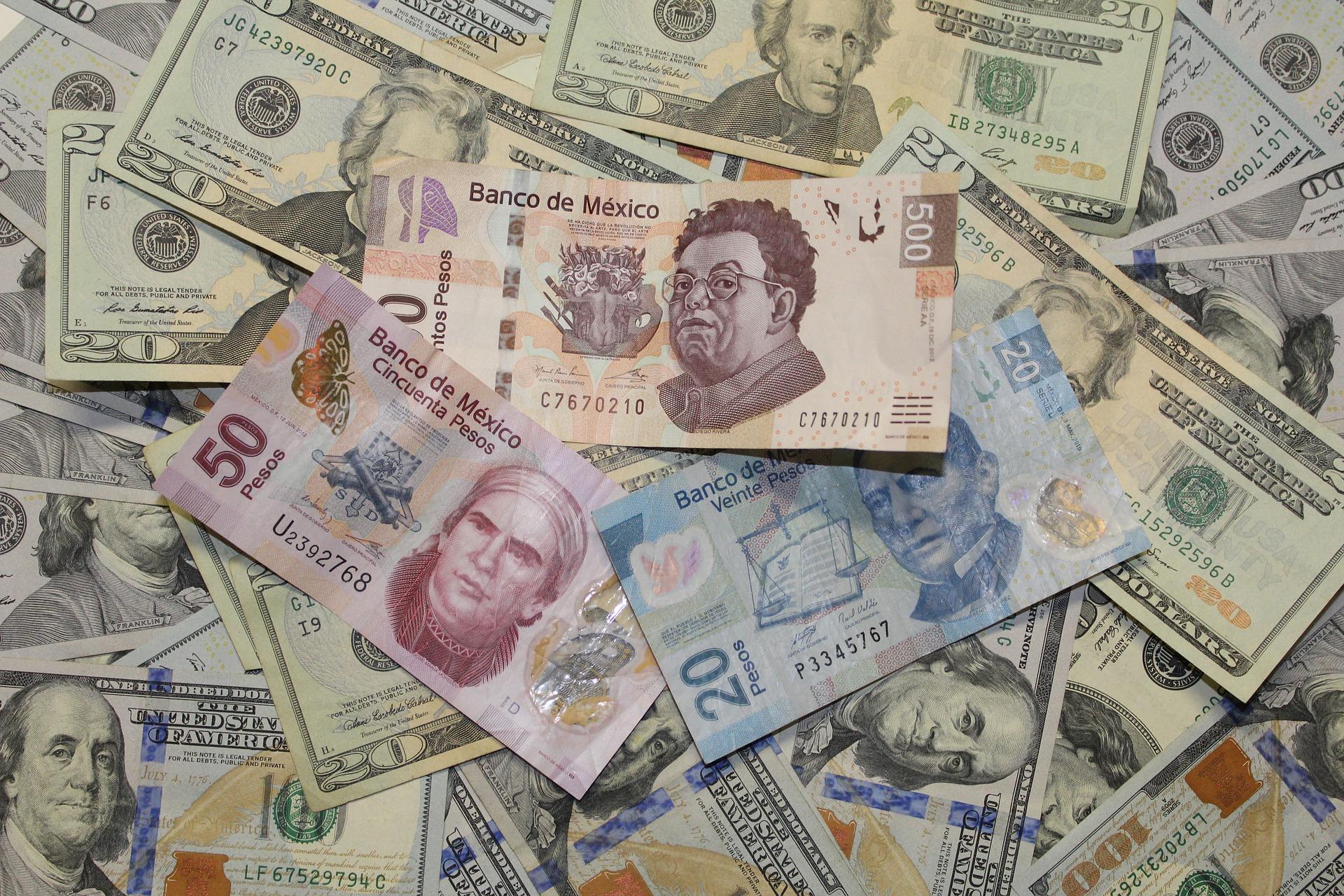Mexican pesos | © Pixabay