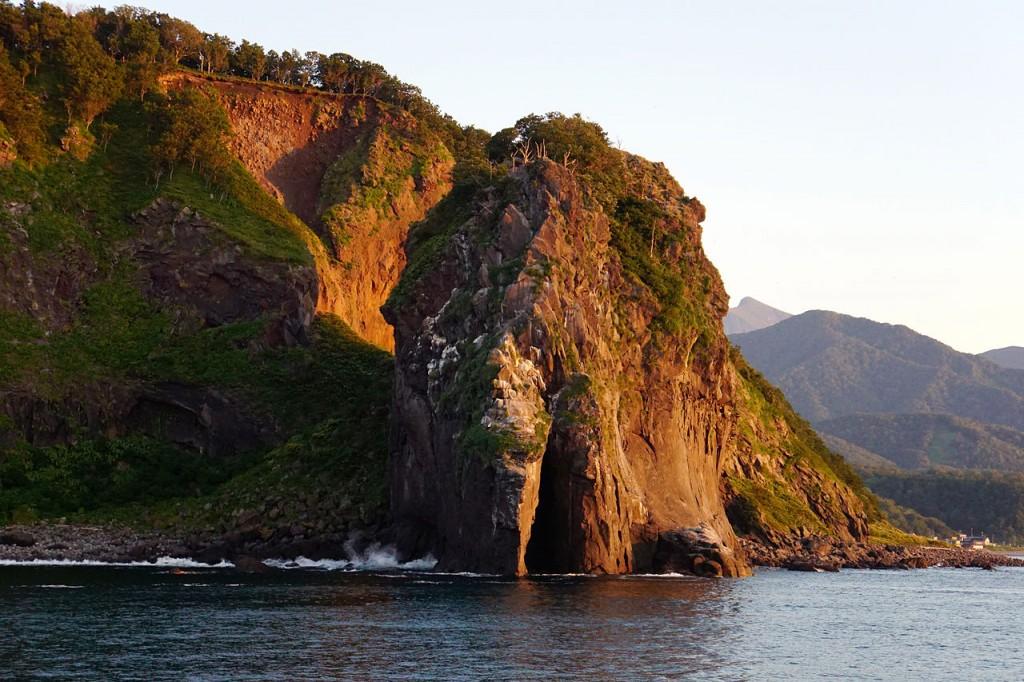 Cape Puyuni view from the Sea of Okhotsk at Shari, Hokkaido prefecture, Japan.   ©663highland / Wikimedia Commons