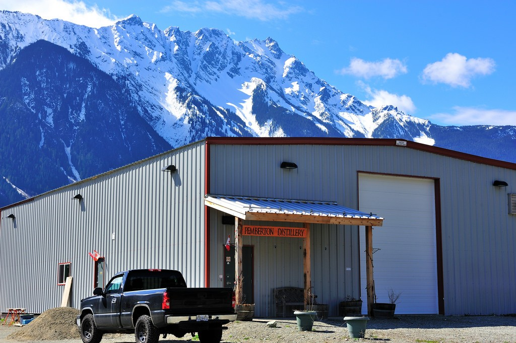 Pemberton Distillery's Backdrop | © Dave Steers/Flickr