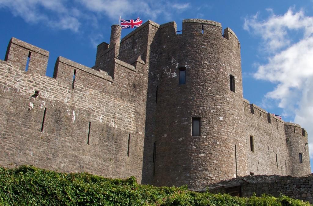 Pembroke Castle turret|©Mario Sánchez Prada/Flickr