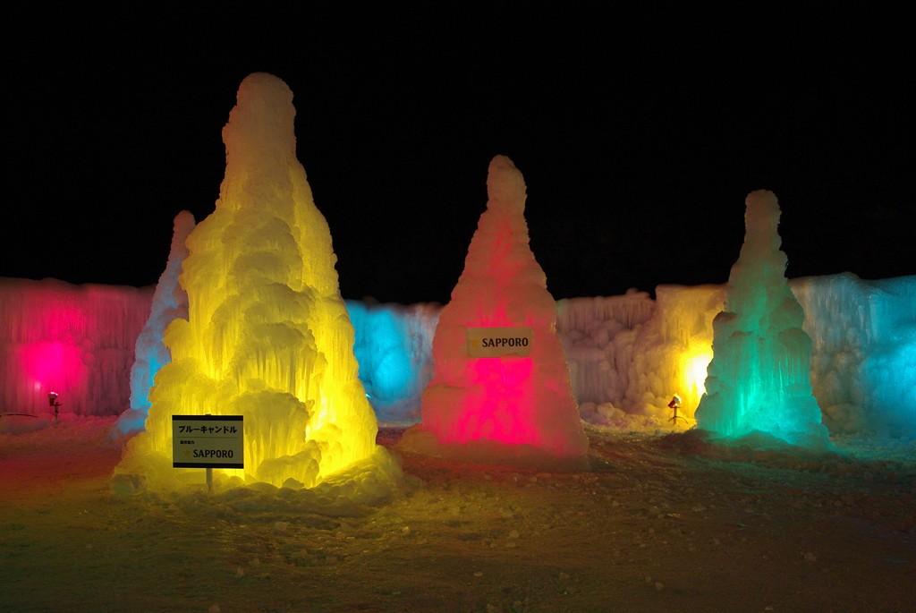The ice candles at Lake Shikotsu Ice Festival   ©とまりん^^ / Photozou