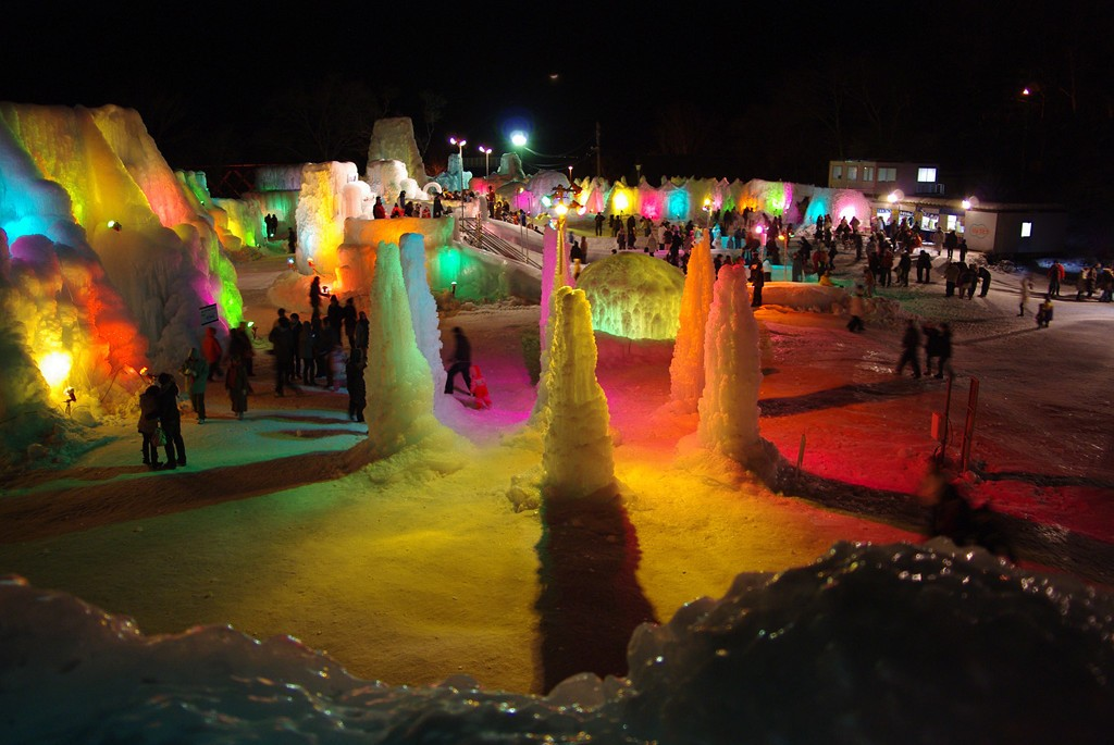 A kaleidoscope of colors at Lake Shikotsu Ice Festival   ©とまりん^^ / Photozou