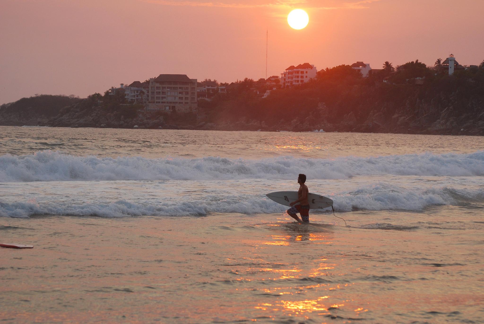 A Beach Lover S Guide To Puerto Escondido Oaxaca