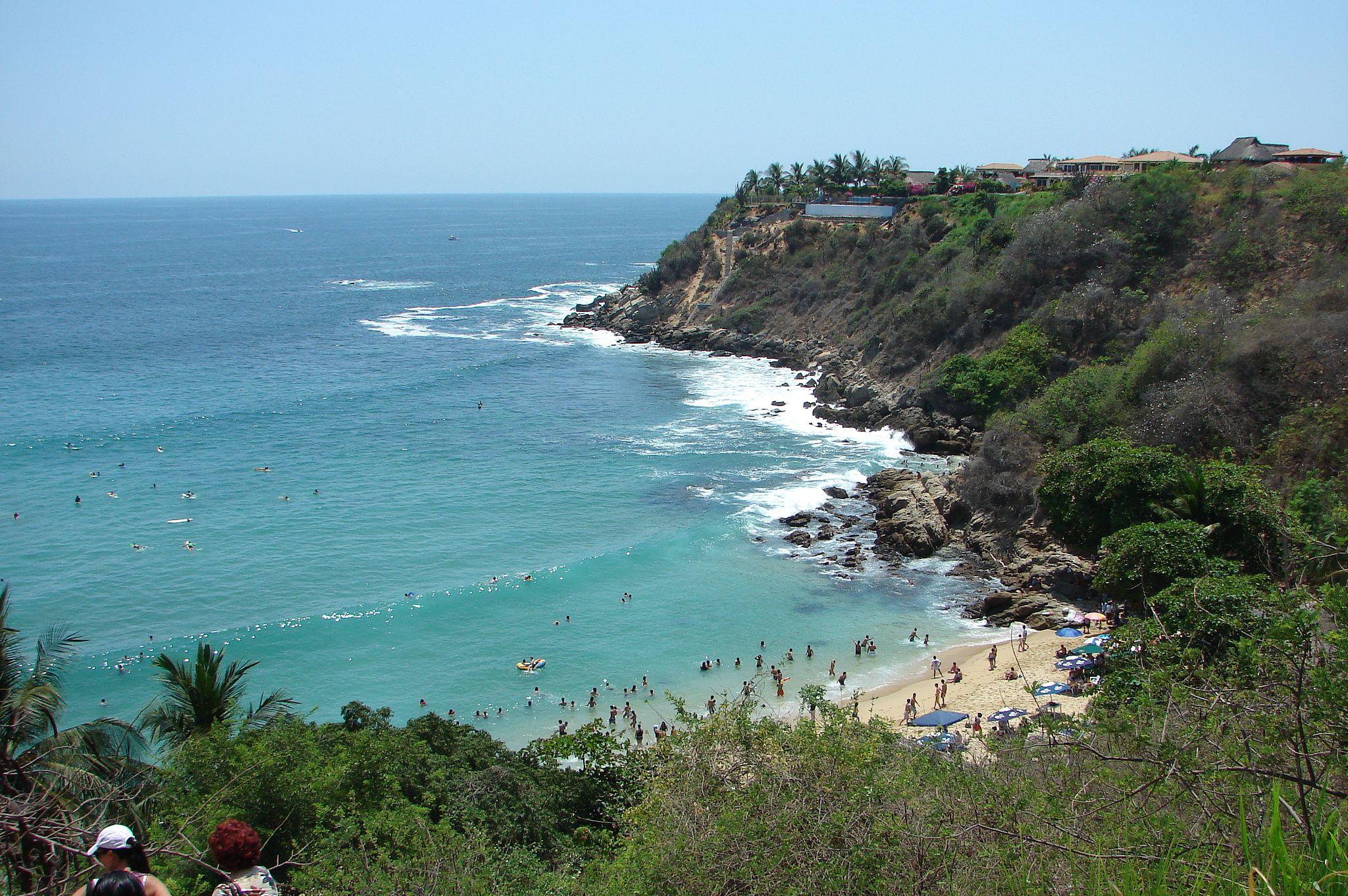 Playa Carrizalillo| © https://www.flickr.com/photos/elfidomx//WikiCommons