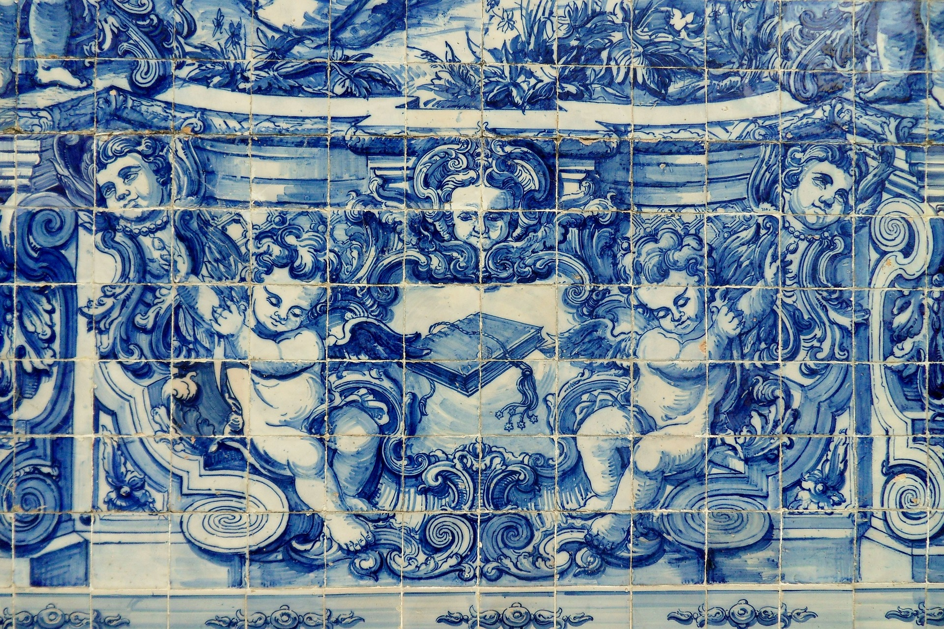 A brief history of portugal 39 s beautiful azulejo tiles for Casa dos azulejos lisboa