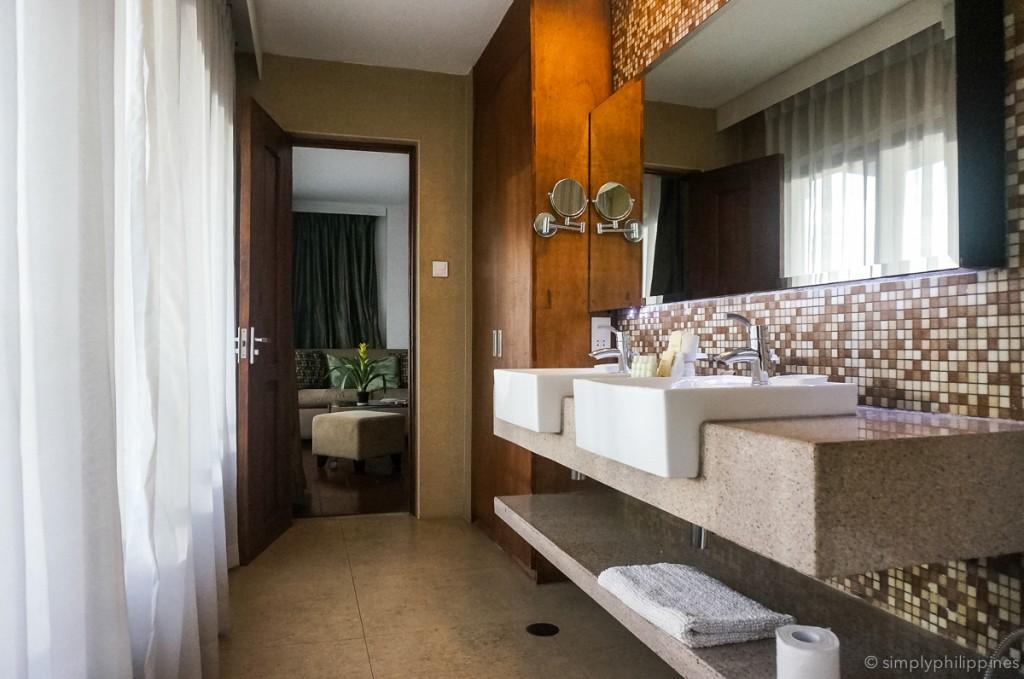 Bathroom at Cocoon Boutique Hotel | © Esther de la Cruz / SimplyPhilippines