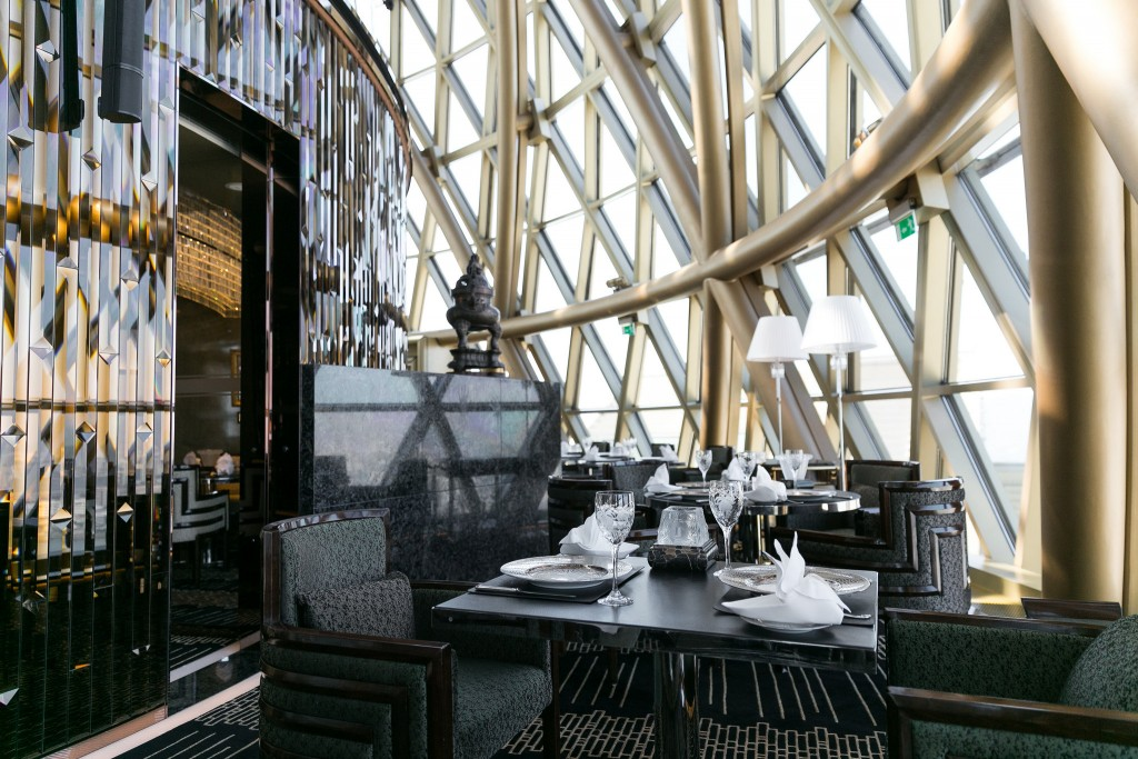 Inside Robuchon au Dôme | © City Foodsters / Flickr