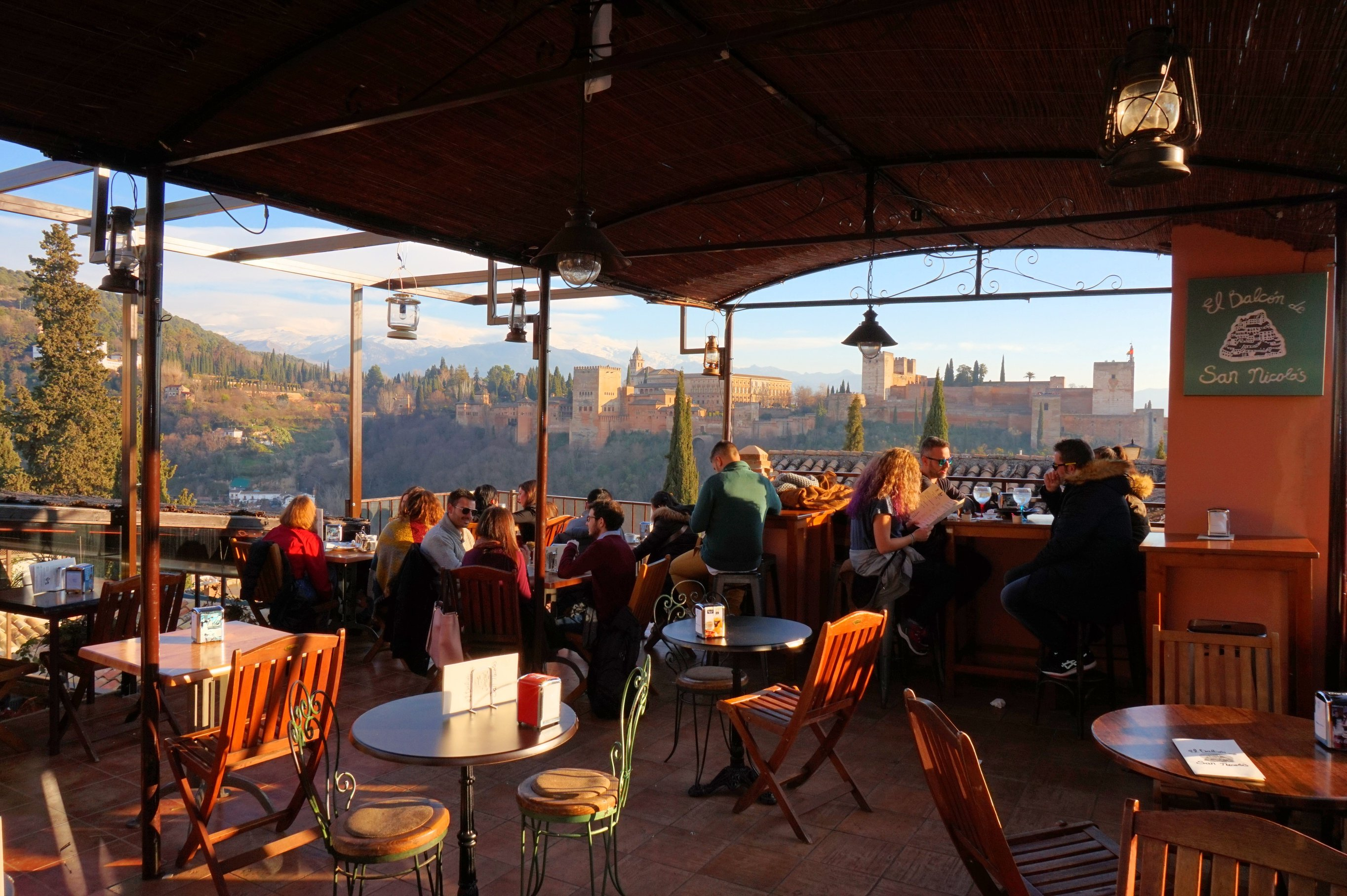 The best rooftop restaurants in granada for Terrace restaurant bar