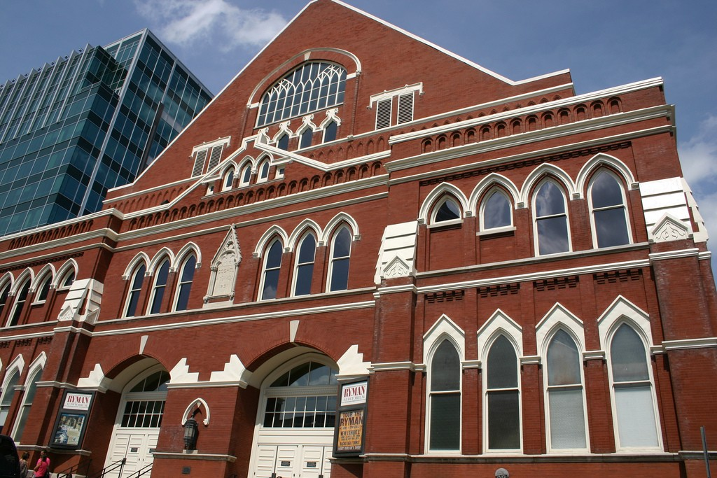 Ryman Auditorium seats over 2,300 people / © Mark Stephenson / Flickr