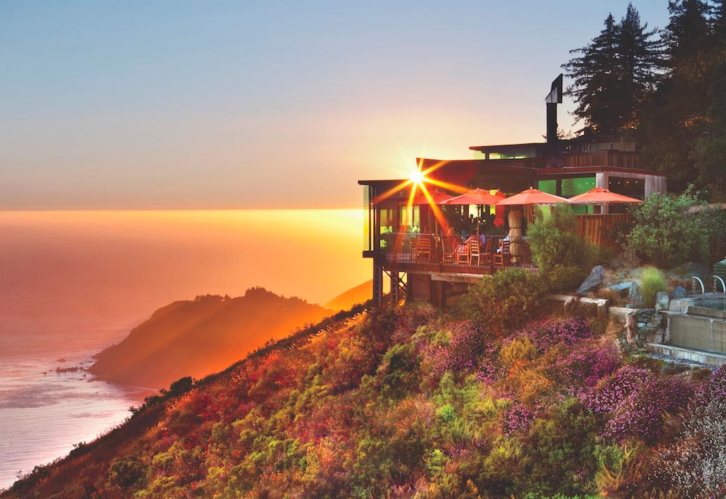 Sierra Mar Restaurant | © Kodiak Greenwood/Courtesy of Post Ranch Inn