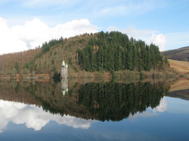 Lake Vyrnwy, Brecon ©David Harris/Flickr
