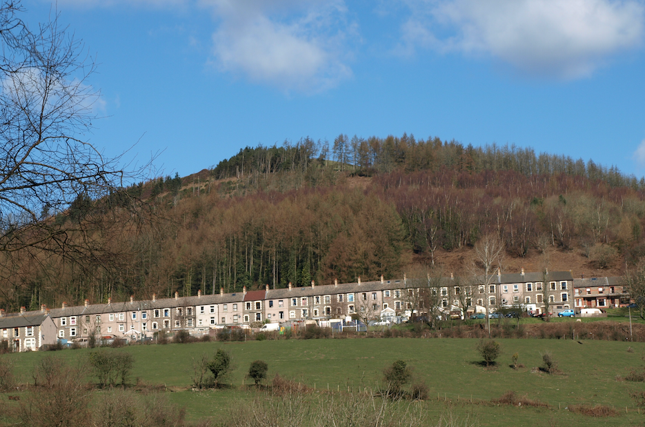 Houses under the hill, Sirhowy Country Park|Castaway in Scotland/Flickr