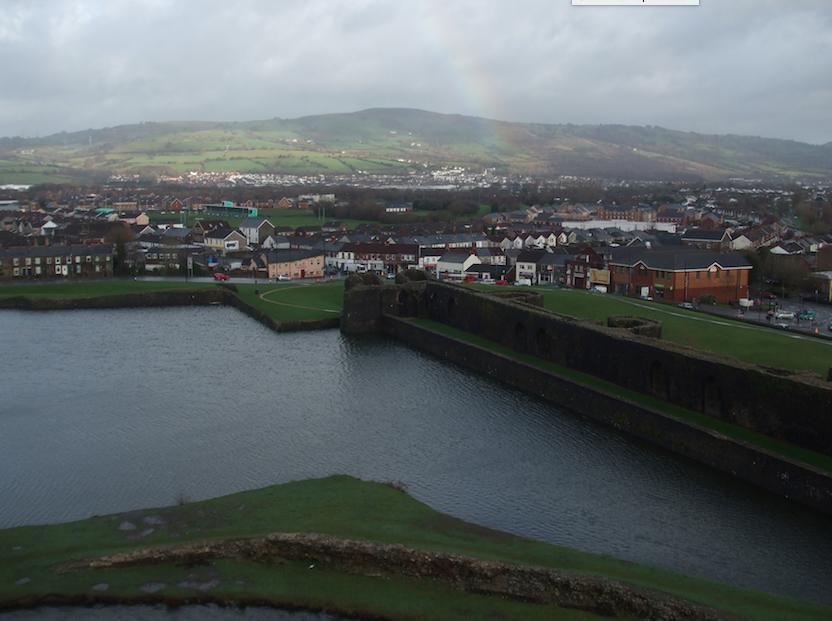 Rainbow over Caerphilly ©Michel Curi/Flickr