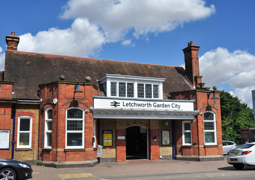 Facade of the Letchwork Garden City train station | © Peter Moulton / Shutterstock
