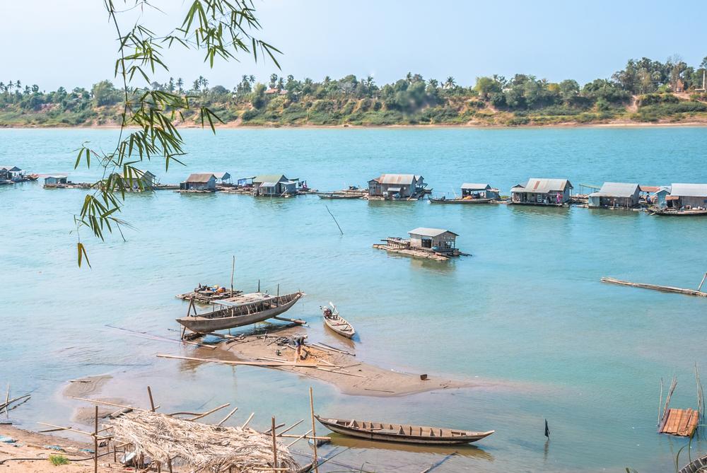 A floating village in Kratie, Cambodia| ©Simo80/Shutterstock