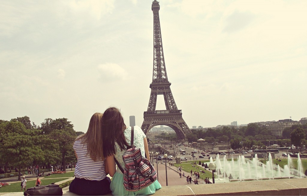 Sitting together at the Eiffel Tower │© Dea :]] / Flickr