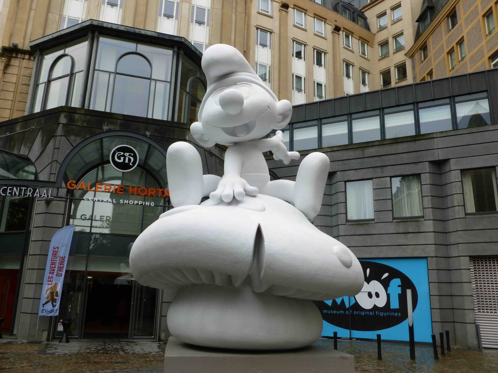 Smurf Statue | © Guillaume Capron / Wikimedia Commons