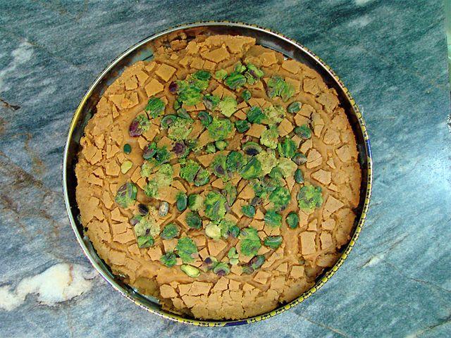 The highly addictive Sohan saffron brittle | © Mostafameraji