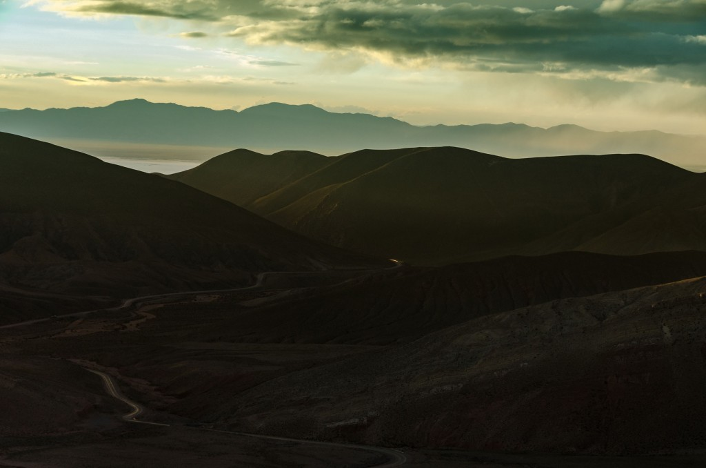 Mountains, valleys and sea|© Marcelo Quinan/Unsplash