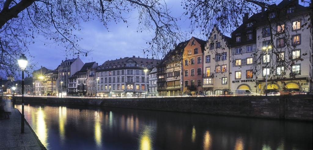 Strasbourg along the river Ill © AAA : Zvardon : OT Strasbourg
