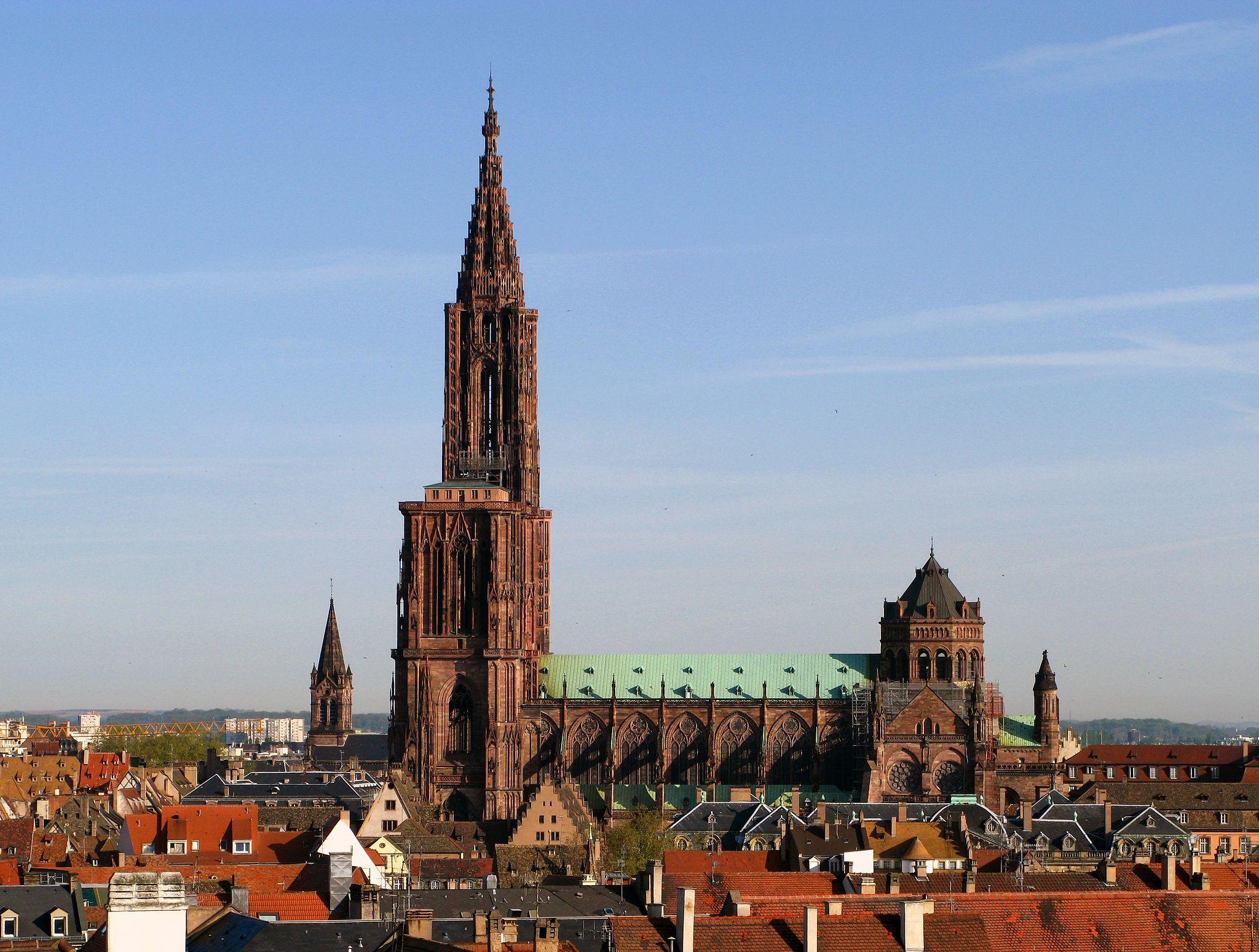 a brief history of strasbourg cathedral. Black Bedroom Furniture Sets. Home Design Ideas