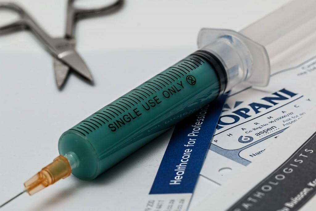 syringe-435809_1920
