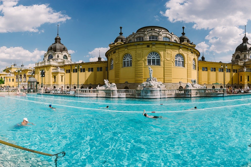 Thermal baths | © Wei-Te Wong / Flickr