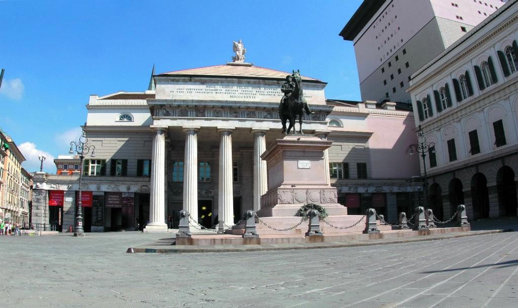 Teatro Carlo Felice, the inspiration for Teatro Solís © Turismo In Liguria / Flickr