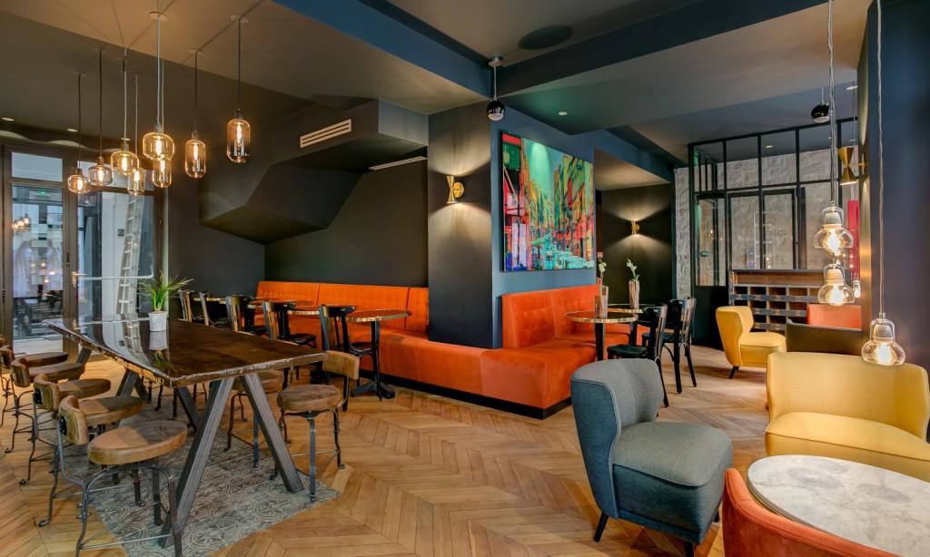 The bar at the Hôtel Scarlett │ Courtesy of Hôtel Scarlett