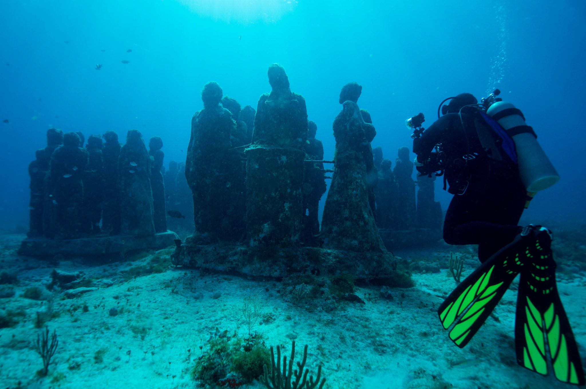 The best towns and cities in spain to visit in 2017 for Spain underwater museum