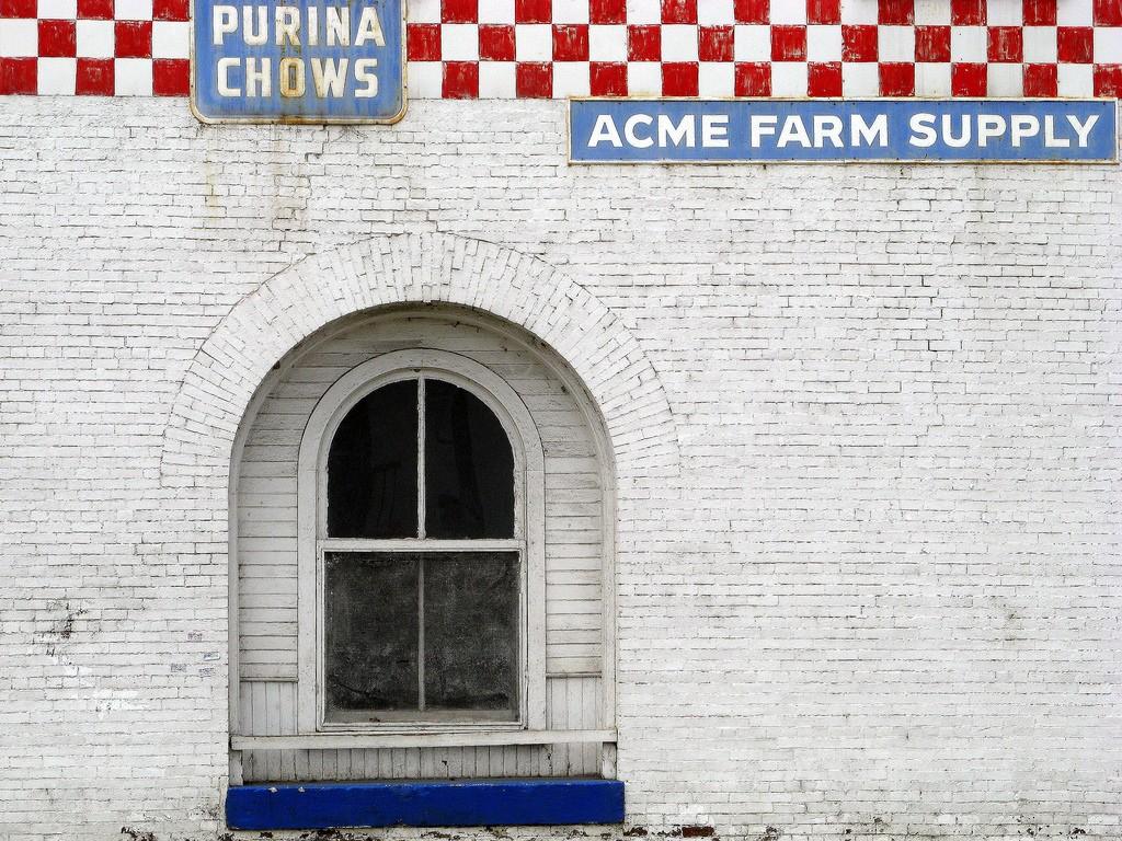 Acme Farm Supply / (c) debaird / Flickr