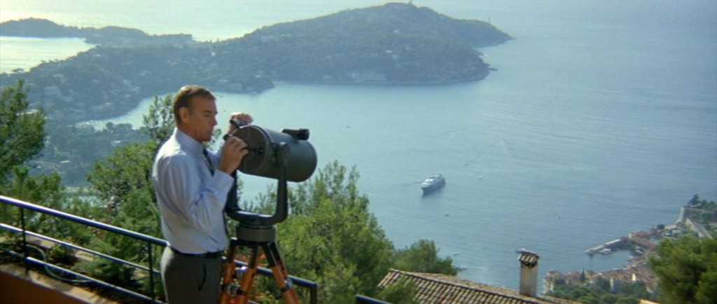 Bond overlooking Villefranche-sur-Mer bay in the 1980s | © MGM