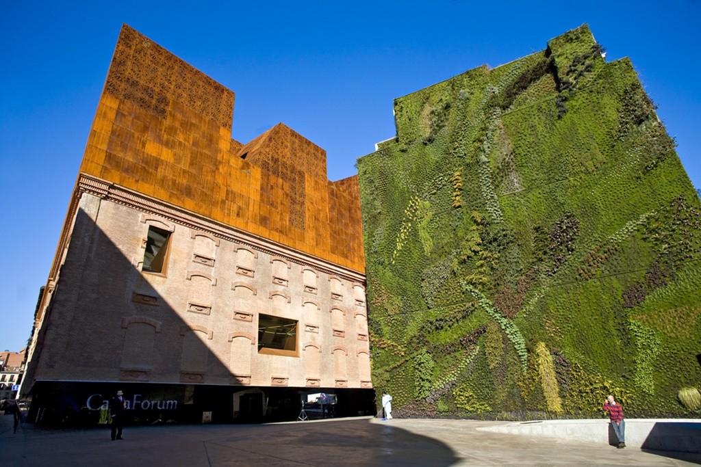 The Wall of Grass and Caixa Forum | © Madrid Destino Cultura Turismo y Negocio