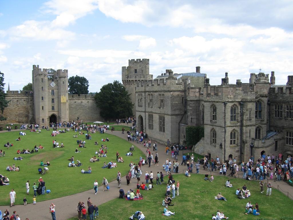 Warwick Castle Courtyard