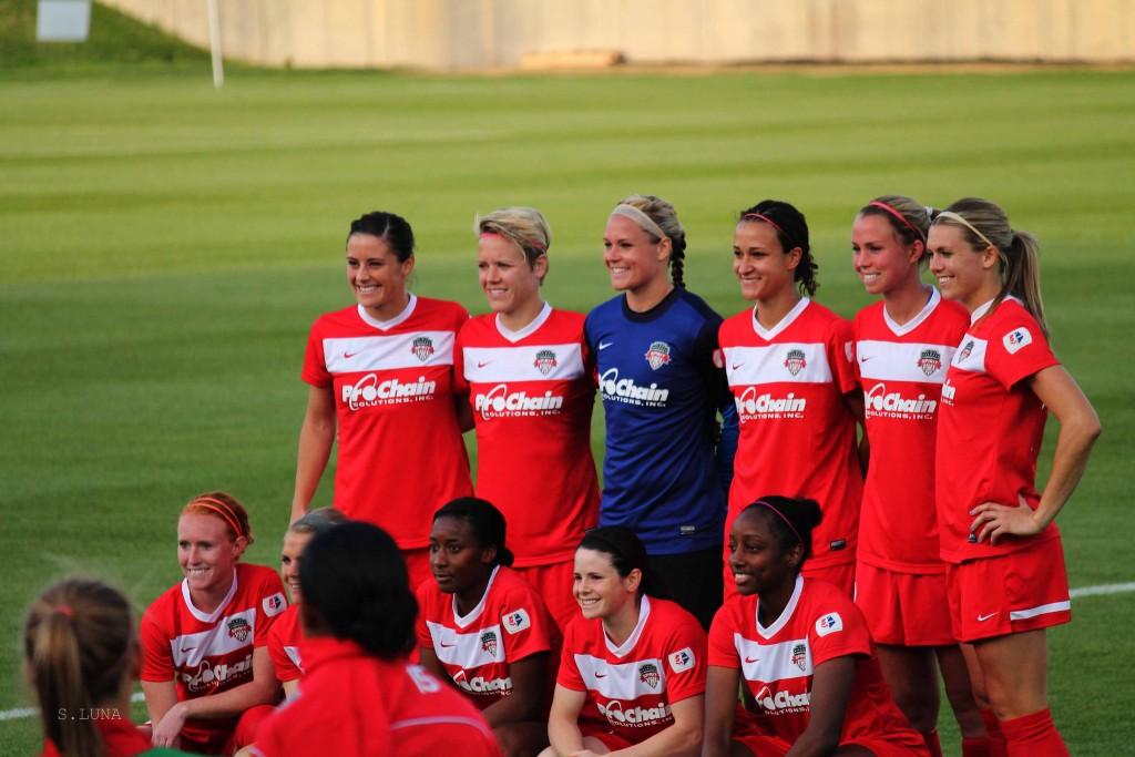 Washington Spirit players show their team spirit | © Sandra Luna/ Flickr/